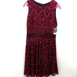 Taylor Dress Lace Floral Magenta Black Sleeveless